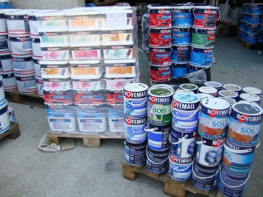 Lot de peinture novemail/carrefour export Destockage Grossiste