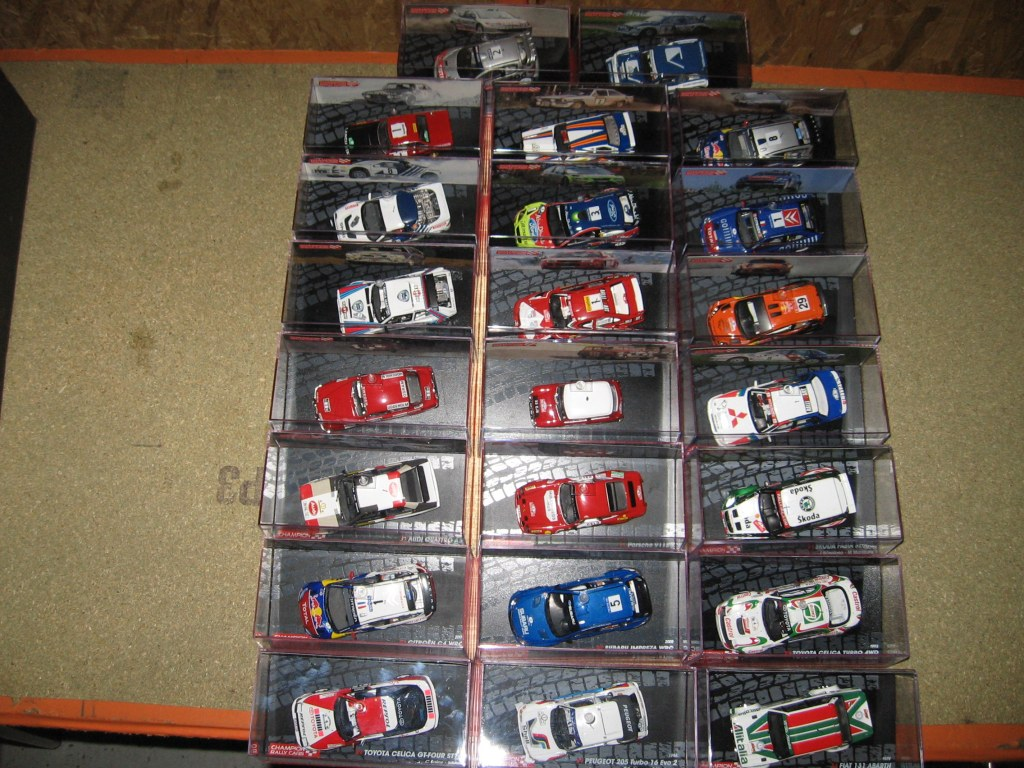 vend lot de voitures miniatures rallyes destockage grossiste