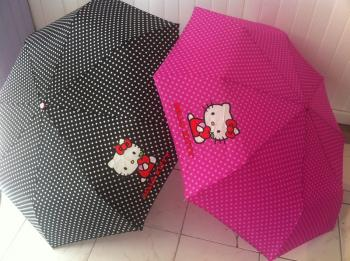 joli lot de parapluie hello kitty pas cher grossiste destockage. Black Bedroom Furniture Sets. Home Design Ideas