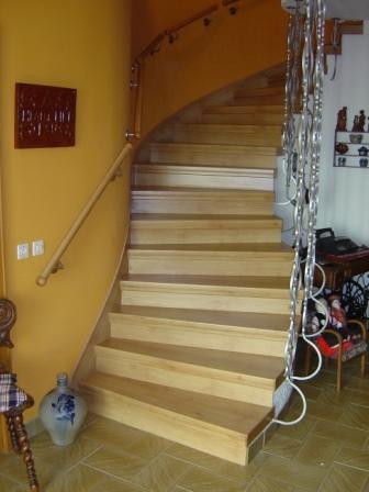 r novation habillage d 39 escalier. Black Bedroom Furniture Sets. Home Design Ideas