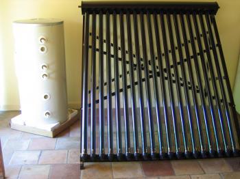 Kit chauffe eau solaire a tubes sous vide destockage grossiste for Chauffe eau solaire sous vide