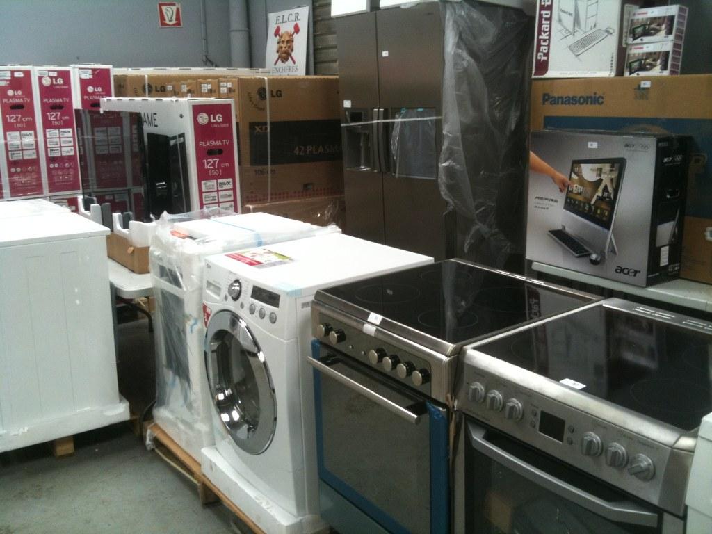 televiseurs gros electromenager destockage grossiste. Black Bedroom Furniture Sets. Home Design Ideas