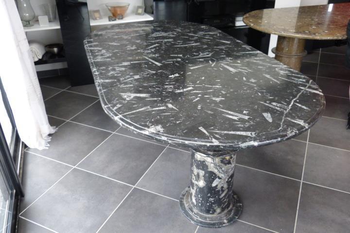 Table en marbre fossilis for Nettoyer table en marbre