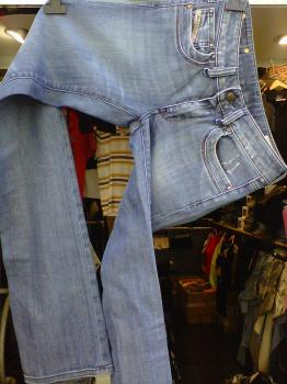 jeans diesel femme modèle Ronhary 8RI a prix mini!