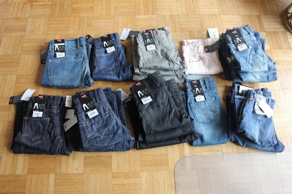lot jeans bermudas et shorts levis filles et garcons. Black Bedroom Furniture Sets. Home Design Ideas