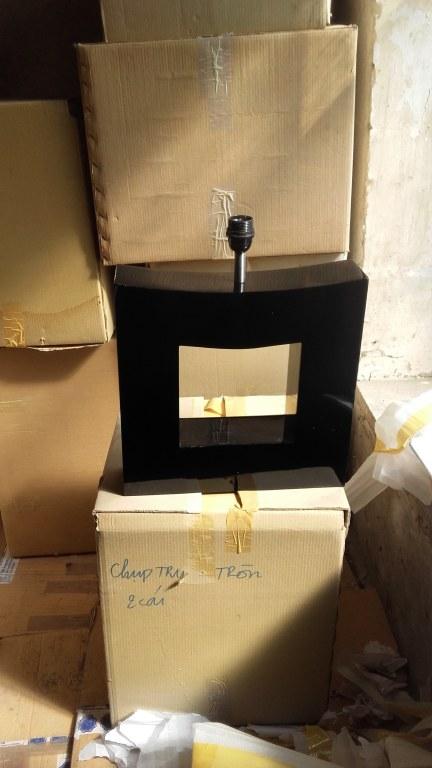 Lampes bois laqu noir lorin jeremy destockage grossiste for Planche bois laque noir