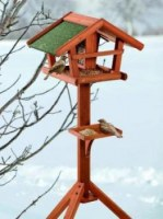 Nichoir, mangeoire, abri à oiseaux.