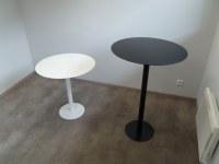 Mange-debout et tables en acier finition métal