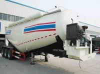 le citerne à ciment transport en varc pulvérulent ciment en varc remorque 3 essieux TITAN VEHICLE