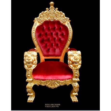 Fauteuil trone capitonne en velours rouge et bois dore for Lions du meuble