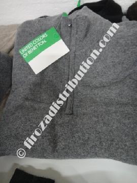 Déstockage de pulls femme Benetton.
