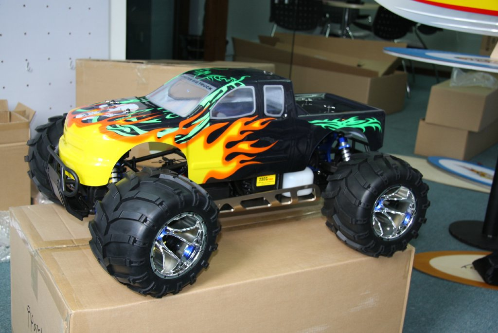 rc modelisme monster truck 1 5 4wd 23 26cc destockage grossiste. Black Bedroom Furniture Sets. Home Design Ideas