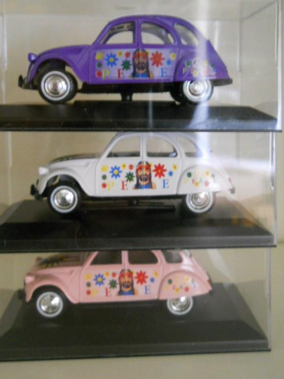 citroen 2cv 1 32 voitures miniatures pa 1 43 destockage grossiste. Black Bedroom Furniture Sets. Home Design Ideas