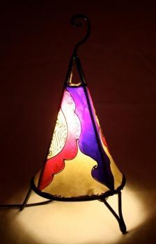 Lampe en cuir fabriquée à la main