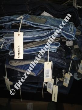 SOLDES ETE - Destockage de Jeans Diesel.