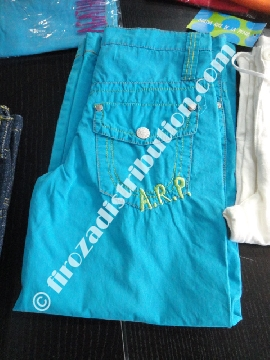 Pantalons Agatha Ruiz de La Prada.