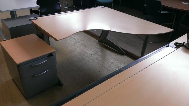 mobilier de bureau lots 10 bureaux occasion destockage. Black Bedroom Furniture Sets. Home Design Ideas