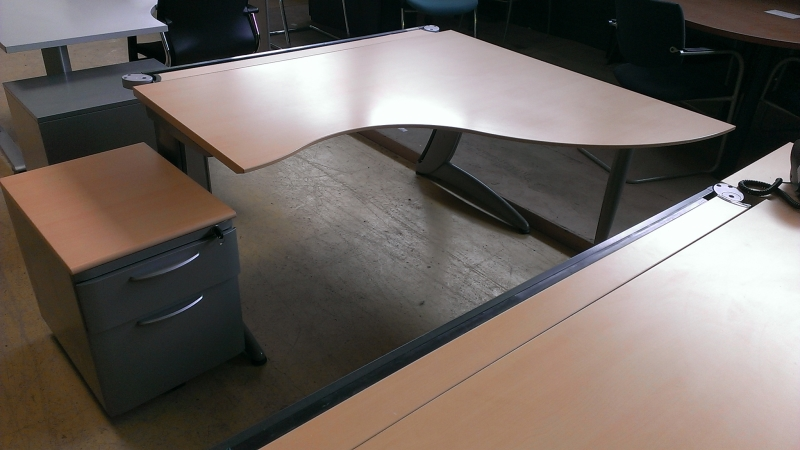mobilier de bureau lots 10 bureaux occasion destockage grossiste. Black Bedroom Furniture Sets. Home Design Ideas