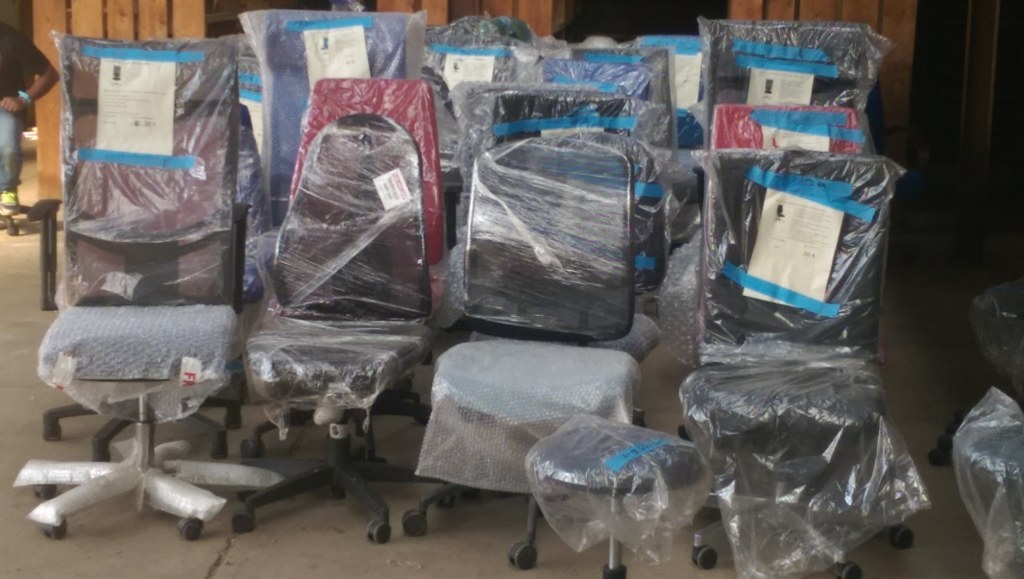 Lot de 40 chaises de bureau de marque bruneau destockage grossiste - Chaise de bureau bruneau ...