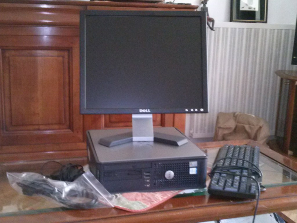 Lot ordinateur de bureau pc ecran destockage grossiste - Destockage ordinateur de bureau ...