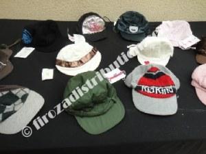 Déstockage de casquettes enfant Prenatal.