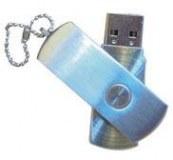Clés USB de 64 et 128 Go.