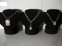 Colliers bracelets bagues boucles d oreilles