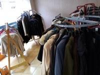 Lot de vêtements de friperie