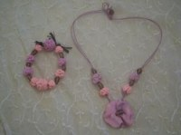 Bracelet et collier artisanaux