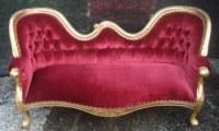 Fournisseur mobilier oriental doré et velours rouge