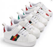 Stock chaussures baskets enfant
