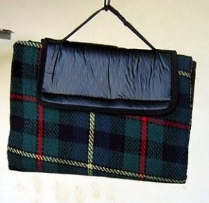 plaid pique nique imperm able liberty bag destockage grossiste. Black Bedroom Furniture Sets. Home Design Ideas