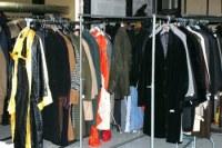 Déstockage de vêtements vintage d'occasion