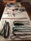 Lot de bijoux agatha