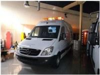 Ambulance Mercedes Benz