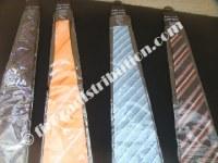 Coffrets de cravates Rochas.