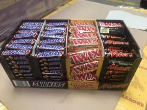 Ferrero Rocher, Mars / Snickers / Bounty / Milkyway / Twix Minis / Milka / Kinder Joy...