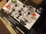 16 piece casserole