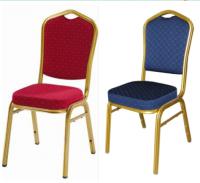 Chaises rouges ou bleues