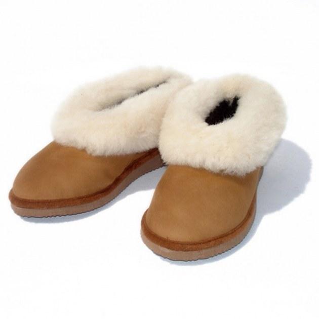 grossiste en chaussons en peau de mouton destockage. Black Bedroom Furniture Sets. Home Design Ideas