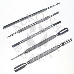Cuticule-cure-ongles-extracteurs de comédons