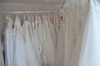 Lot de robes de mariées neuves avec étiquettes