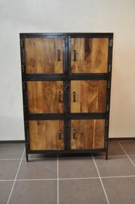 Armoire bois massif et métal industrielle
