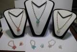 100 Parures bijoux en perles colliers bracelets bagues