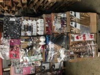 Lot de palettes de Noël idéal pour les boutiques de destockage ou marché