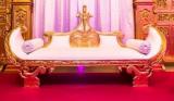 Destockage de meubles baroques et exotiques