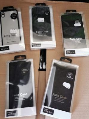 Lot de 220 coques de protection / Etuis à rabat MUVIT pour smartphones SONY