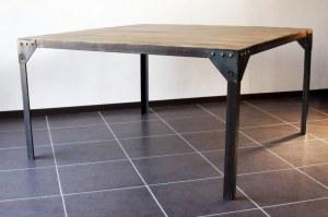Table à manger industrielle acier et bois 140x140