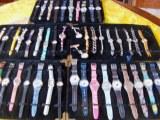Lot de 50 montres homme femme et enfant