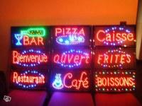 Enseigne lumineuse led panneau publicité ouvert pizza